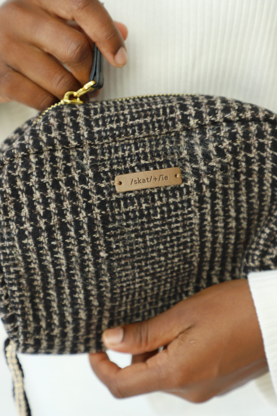 CLUTCH TWEED